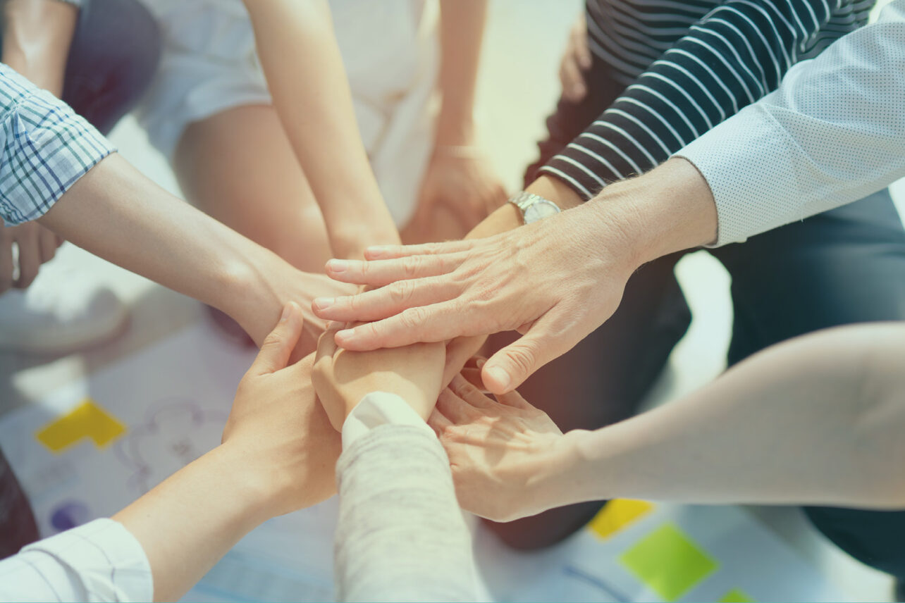 Handen bij elkaar